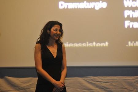Glumica Dorka Grilus na poklonu posle filma Kamera smrti