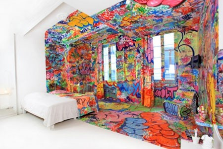 Polu-Graffitti soba
