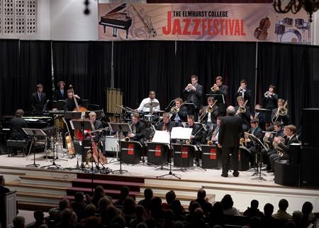 Elmhurst College Jazz Band na Nisvilu