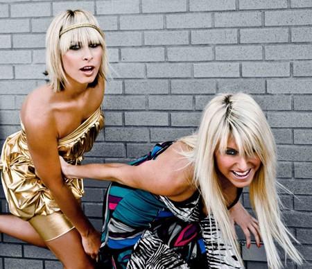 "Blond:ish: Seksi DJ plavuše iz Kanade na "" Lastinom"" matineu"