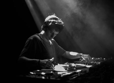 Mlada nada DJ scene Varhat u Beogradu ove subote!