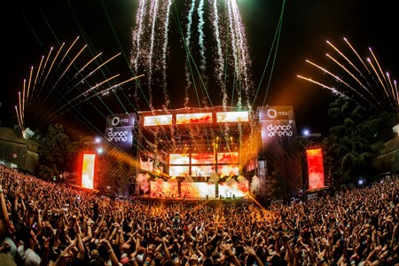 Sutra EXIT magiju zajedno stvaraju ljudi iz celog sveta!