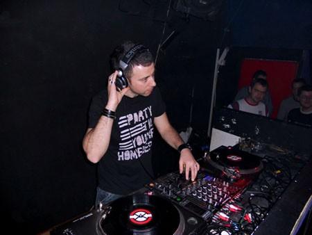 Intervju: DJ Mladen Tomić